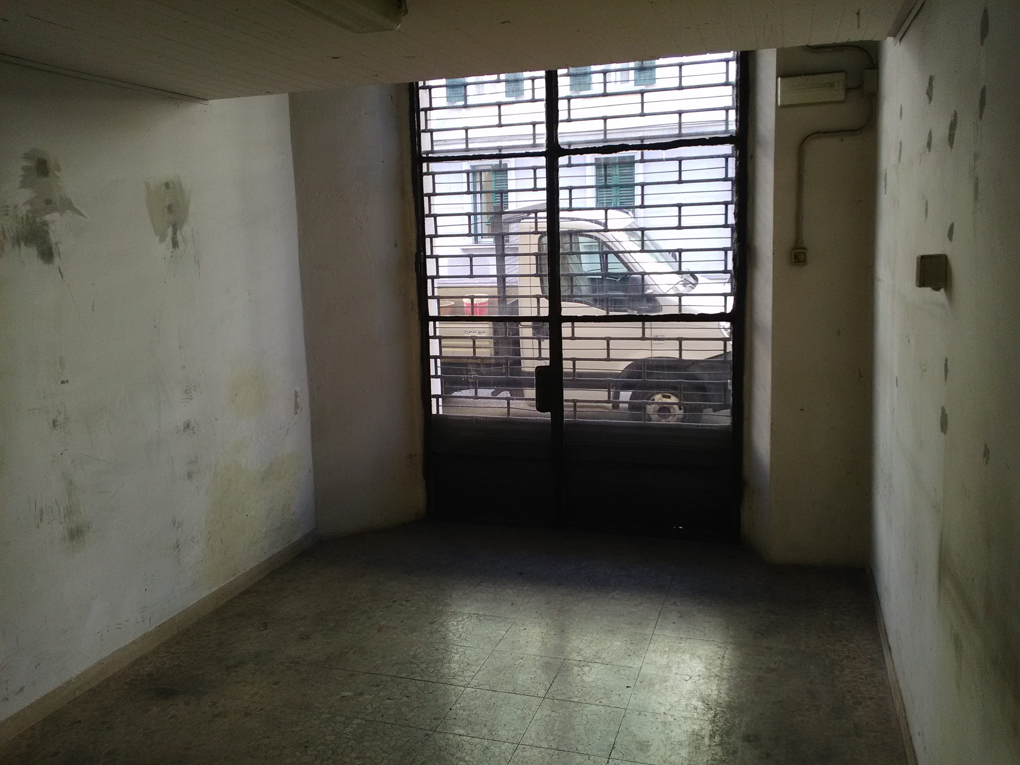 Fondo Commerciale Via Vittorio Emanuele Torriti Immobiliare